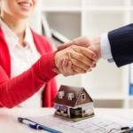 עורכת דין מקבלת הלוואה