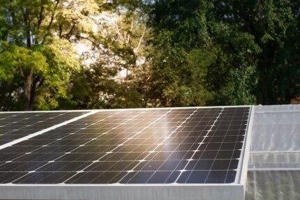 מערכת סולארית שנרכשה בעזרת הלוואה