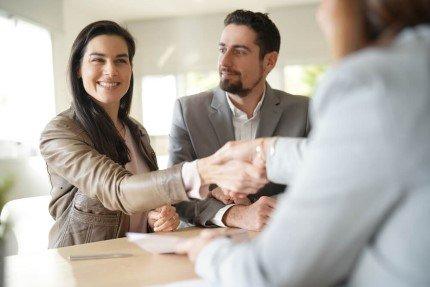 פגישה לצורך מתן הלוואה מקרן השתלמות דש